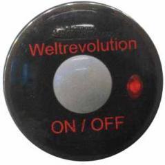 """Zum 25mm Magnet-Button """"Weltrevolution"""" für 1,95 € gehen."""