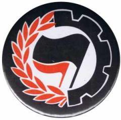 """Zum 25mm Magnet-Button """"Working Class Antifa"""" für 2,00 € gehen."""