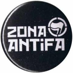 """Zum 25mm Magnet-Button """"Zona Antifa"""" für 2,00 € gehen."""