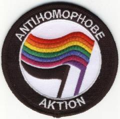 """Zum Aufnäher """"Antihomophobe Aktion"""" für 2,92 € gehen."""