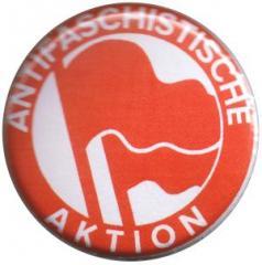 """Zum 37mm Button """"Antifaschistische Aktion (1932, rot/rot)"""" für 1,00 € gehen."""