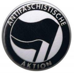 """Zum 37mm Button """"Antifaschistische Aktion (schwarz/schwarz)"""" für 0,97 € gehen."""