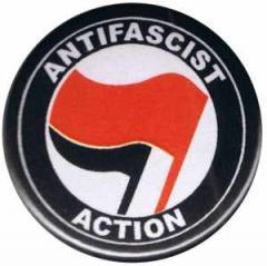 """Zum 37mm Button """"Antifascist Action (rot/schwarz)"""" für 1,00 € gehen."""