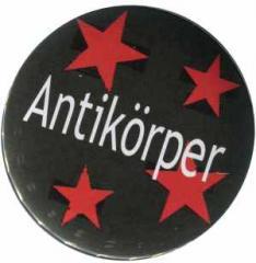 """Zum 37mm Button """"Antikörper"""" für 1,00 € gehen."""