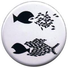 """Zum 37mm Button """"Fische"""" für 1,00 € gehen."""