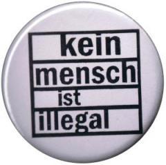"""Zum 37mm Button """"kein mensch ist illegal"""" für 1,00 € gehen."""