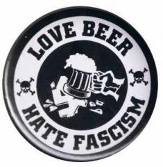 """Zum 37mm Button """"Love Beer Hate Fascism"""" für 0,97 € gehen."""