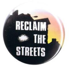 """Zum 37mm Button """"Reclaim the streets"""" für 1,00 € gehen."""