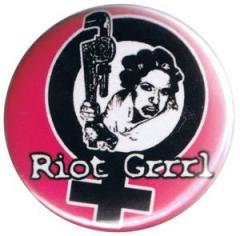 """Zum 37mm Button """"Riot Grrrl"""" für 1,00 € gehen."""