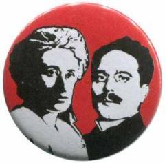 """Zum 37mm Button """"Rosa Luxemburg / Karl Liebknecht"""" für 1,00 € gehen."""
