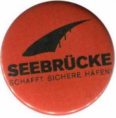 """Zum/zur  37mm Button """"Seebrücke (schwarze Schrift)"""" für 1,00 € gehen."""