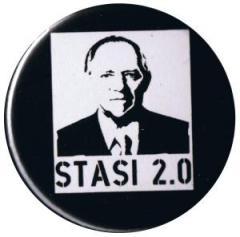 """Zum 37mm Button """"Stasi 2.0"""" für 1,00 € gehen."""