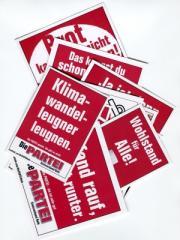 """Zum Aufkleber-Paket """"Die Partei Parteiaufkleber-Mix"""" für 3,00 € gehen."""