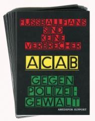 """Zum Aufkleber-Paket """"Fussballfans sind keine Verbrecher - ACAB - Gegen Polizeigewalt"""" für 2,50 € gehen."""