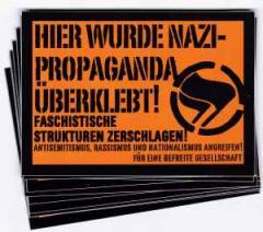 """Zum Aufkleber-Paket """"Hier wurde Nazi-Propaganda überklebt!"""" für 1,80 € gehen."""