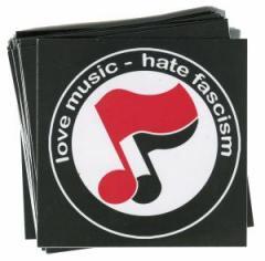 """Zum Aufkleber-Paket """"love music - hate fascism (Noten)"""" für 1,80 € gehen."""