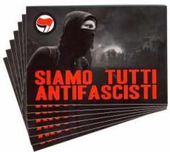 """Zum Aufkleber-Paket """"Siamo Tutti Antifascisti"""" für 1,80 € gehen."""