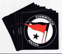 """Zum Aufkleber-Paket """"Stammtischantifa"""" für 1,94 € gehen."""